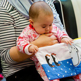 Kinderbijslag houdt moeders wereldwijd thuis