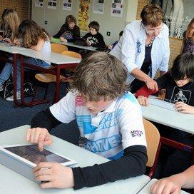 Tien iPad-scholen starten na de zomer
