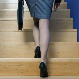 Het bieden van fiscale kortingen is een goedkopere manier om de arbeidsparticipatie van moeders te verhogen.