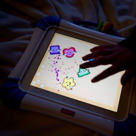 Dreumesen zeer behendig met tablets