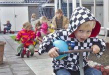 Er staat ook vermeld aan welke kwaliteitseisen een kinderopvang moet voldoen.