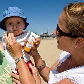 'Ook baby's een zonnebril op'