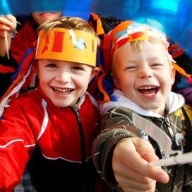 <p>Kinderopvangorganisaties zorgen dat er steevast beweging op het programma staat en werken samen met sportverenigingen of speciale sportbuurtcoaches.</p>
