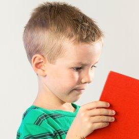 Simon van der Geest schreef dit jaar het Kinderboekenweekgeschenk: Per ongelukt!