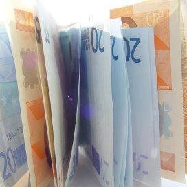 De verdachte zou van het geld winkels in Turkije hebben gekocht.