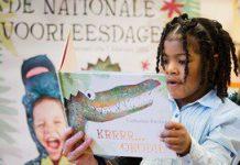 Dit meisje werd dit jaar tijdens de Nationale Voorleesdagen voorgelezen door Prinses Laurentien uit het boek Krrrr...okodil!