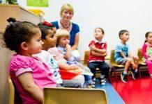 Asscher wil twee dagdelen kinderopvang voor alle peuters