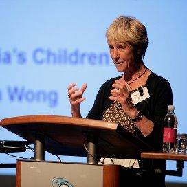 Elly Singer spreekt tijdens het Jaarcongres Kinderopvang