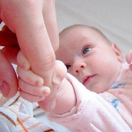Opvallend genoeg vinden de kersverse moeders juist dat ze prima kunnen werken naast het zorgen voor hun kind.