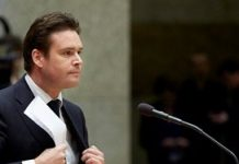 Staatssecretaris stapt op om problemen Belastingdienst