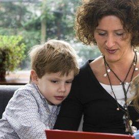 De administratie van gastouders in het Landelijk register Kinderopvang en Peuterspeelzalen is dynamisch. Jaarlijks vernieuwt 20 procent van het gastouderbestand zich.