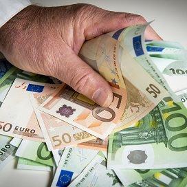 <p>De mannen zouden miljoenen euro's aan onterechte subsidieshebben binnengehengeld voor hun cliënten.</p>