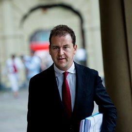 Asscher verwacht minder private investeerders