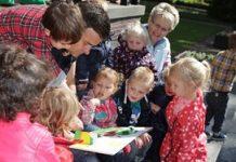 OBS Harlekijn aanmoedigingsprijs met hun plannen voor een buitenbibliotheek op het schoolplein.