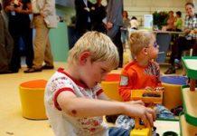 Concurrentie van oma neemt snel toe door dure kinderopvang
