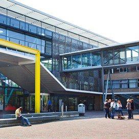 Diploma voor eerste studenten PMK Zwolle