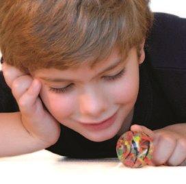 kid-playing-1556609-639x327.jpg