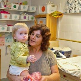 'Zet de babyfoon minimaal 1 meter van het bedje'