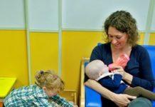 Asscher wil aandacht voor registratie vaccinatiestatus