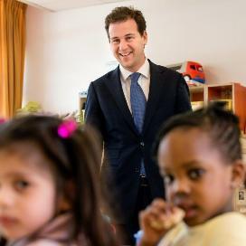 Minister Asscher bezoekt kindercentrum Femke Dak