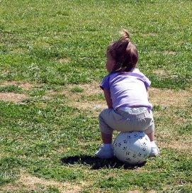 Te weinig beweging kan een oorzaak van de sportblessures bij kinderen zijn. Foto: Free Images