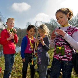 'Kind wacht op volwassene om natuur in te gaan'