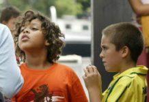 Veel pedagogisch medewerkers worstelen met de vraag hoe ze een gevoelig onderwerp bespreekbaar kunnen maken.