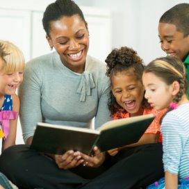 FNV noemt het 'niet verantwoord' dat het aantal kinderen op de bso wat de minister betreft met 5 (per pedagogisch medewerker) omhoog mag.