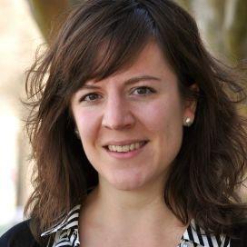 Martine Broekhuizen is in 2015 gepromoveerd op haar proefschrift Differentiële effecten van kwaliteit van kinderopvang op de sociaal-emotionele ontwikkeling van kinderen.